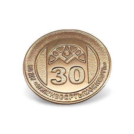 Юбилейные значки из золота с логотипом компании НГДУ НИЖНЕСОРТЫМСКНЕФТЬ